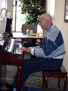 Hugh Wubben at piano